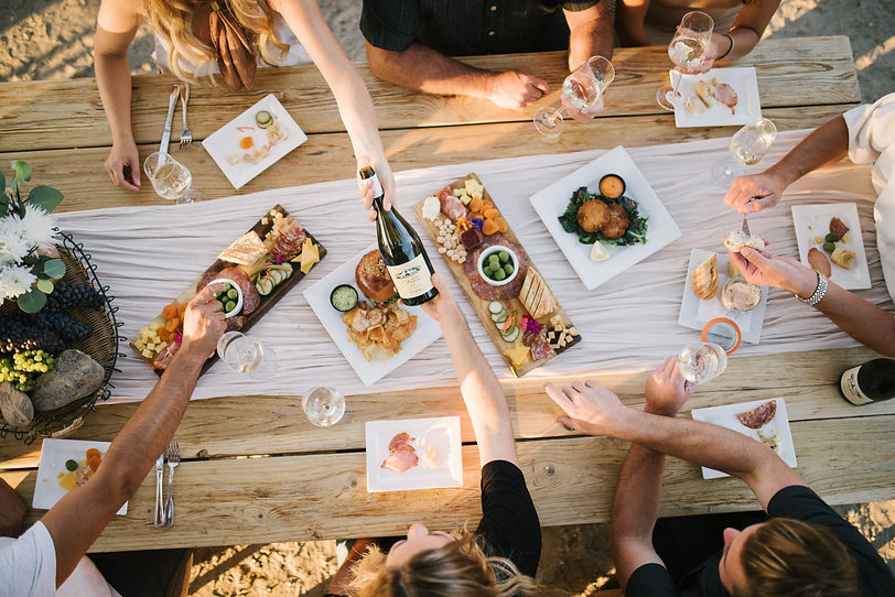 food and wine friends picnic.jpg