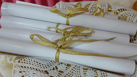 09 Pen diplomas S1400012_Moment(6).jpg