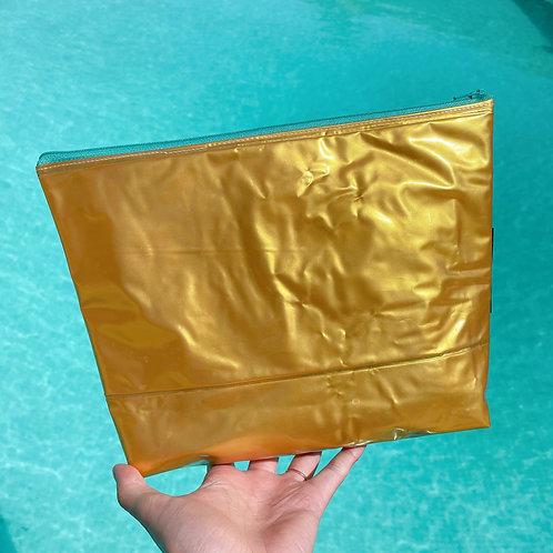 Large Gold Pouch / Grande pochette dorée
