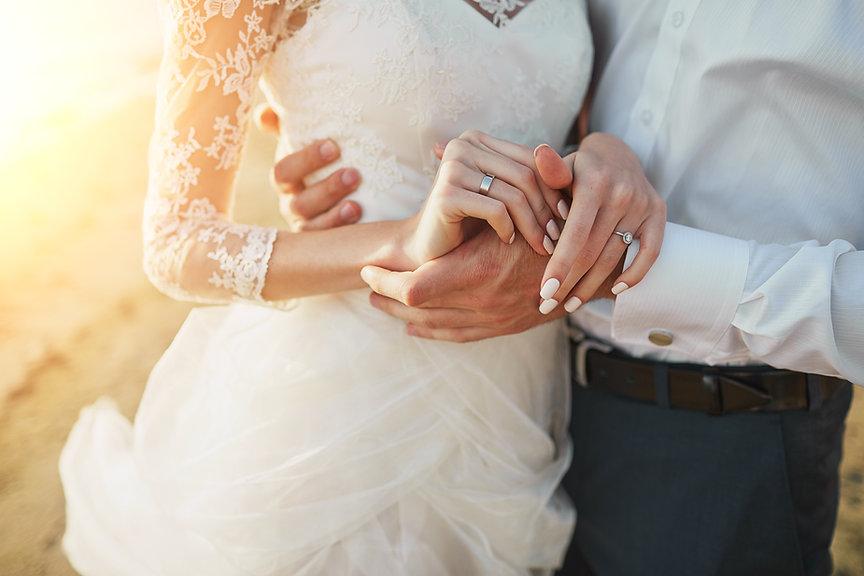 couple-love-emotional-weddin