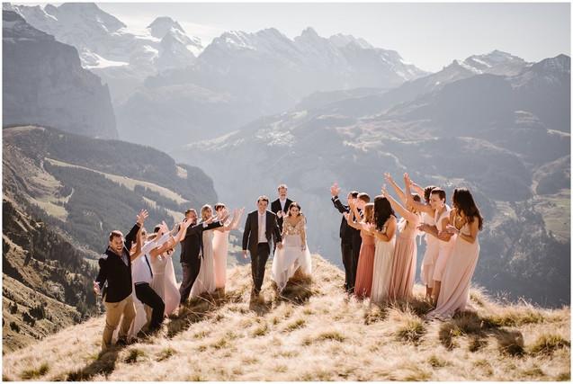 bride-groom-elopement-ceremony-mountains