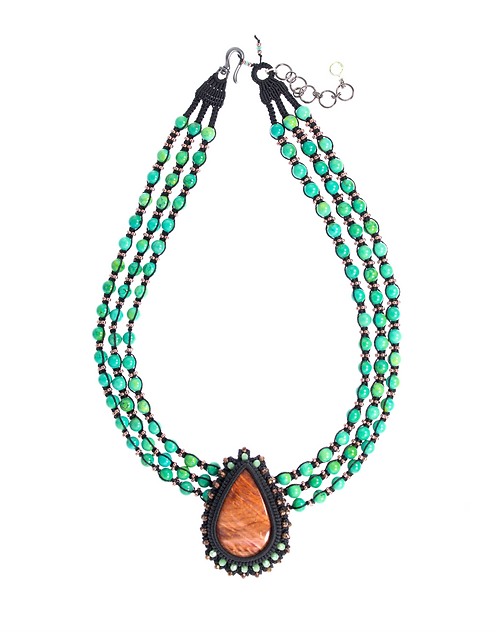 Spiny Oyster and Turquoise Collier de Chien
