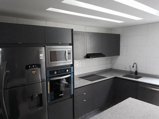 cocina integral en escuadra (23).jpg