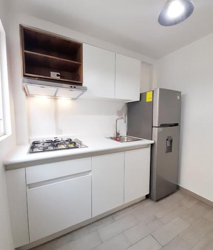 Cocina blanca pequeña.jpg