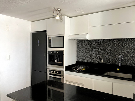 cocina moderna blanca (1).jpeg