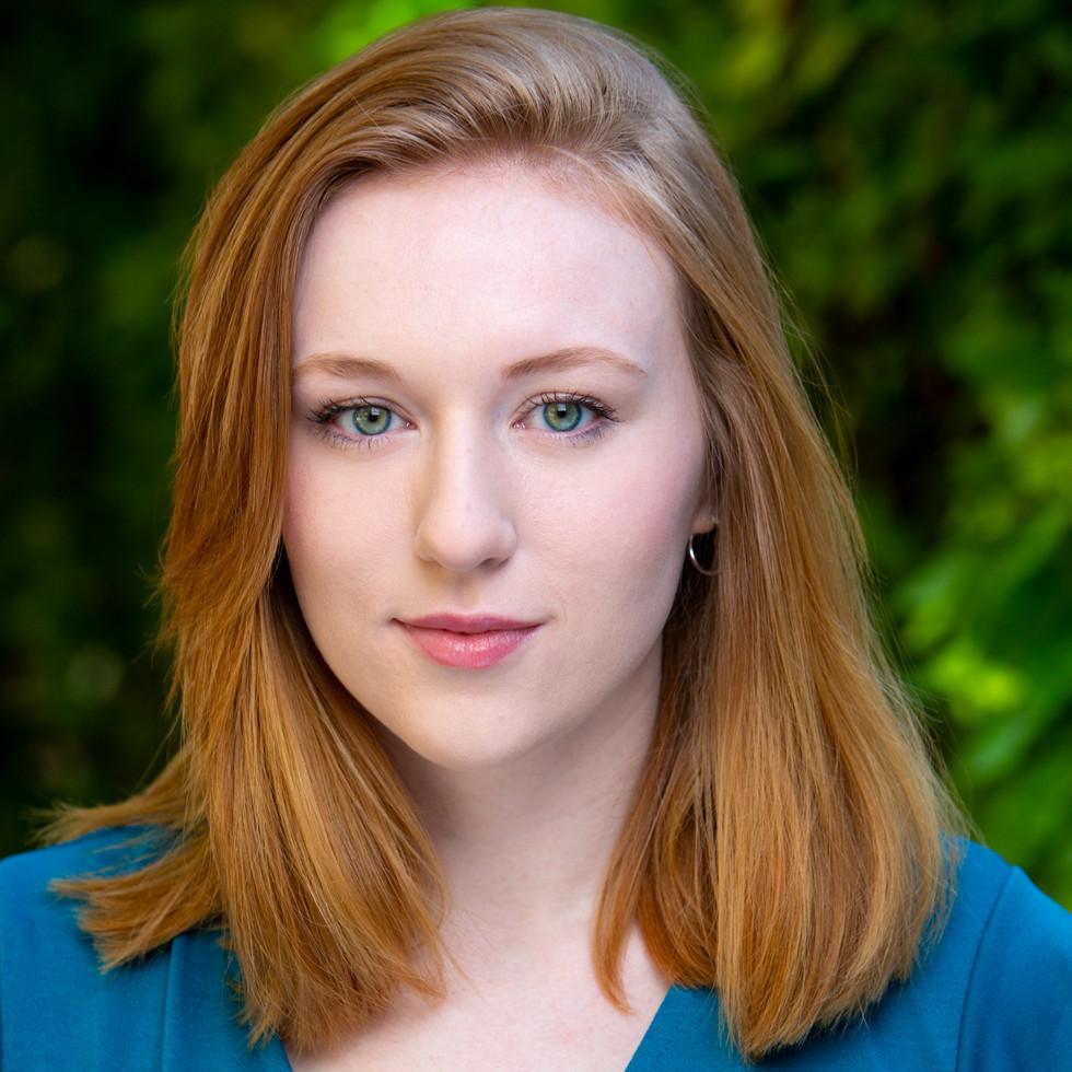 Molly Burris Headshot