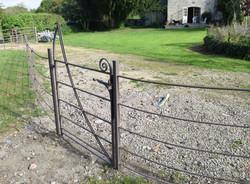 Estate gate 03