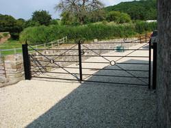 Farm style gate