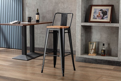 Tannum stool high back with matte black