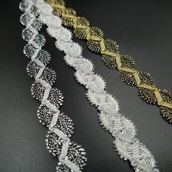 7355 Scalloped criss-cross braid