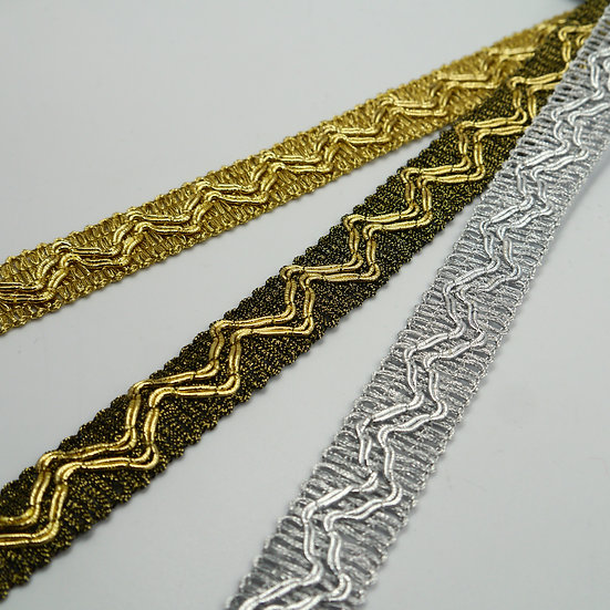 7706 20mm Metallic Braid with zig-zag design