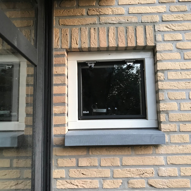 Hard glazen klepraam