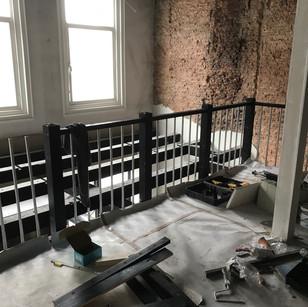 Plaatsen van balustrade gelijk aan trap