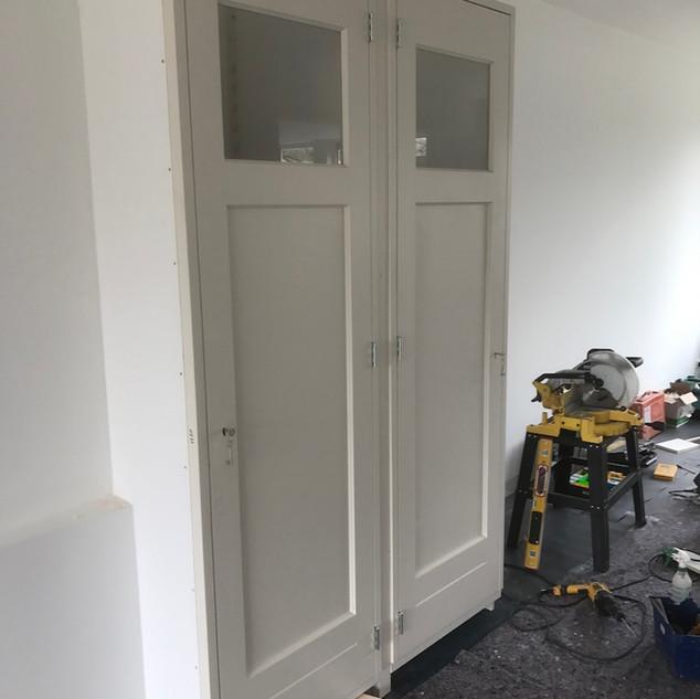 Kamer en suite kast met deuren