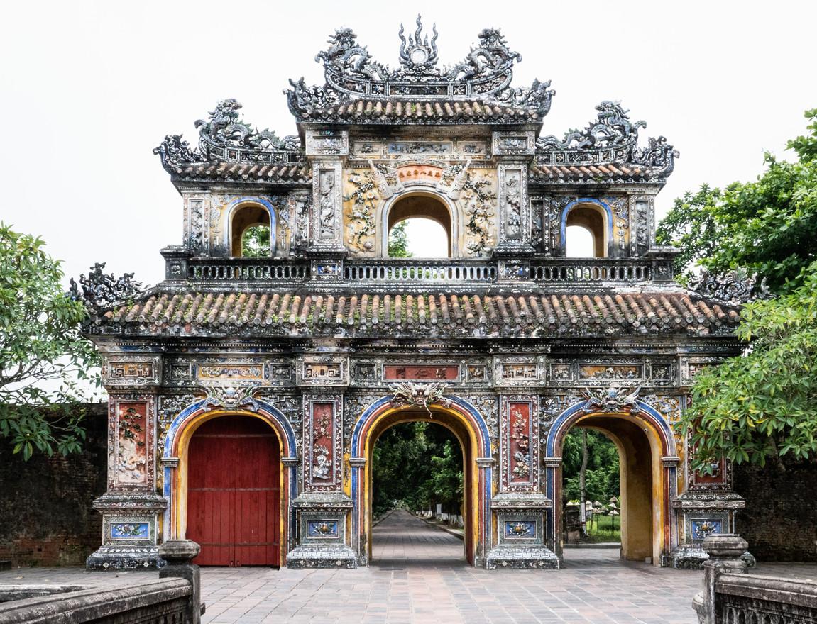 Gate of Manifest Benevolence