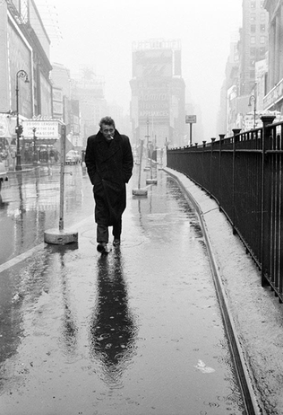 Dennis Stock: James Dean a Time Square-n