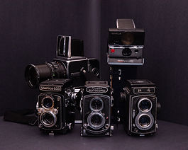 Medium format cameras hasselblad minolta twin lens reflex polaroid yashica