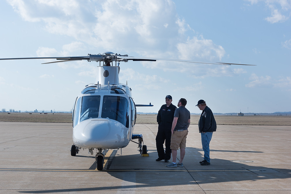 Stephen Boatwright makes new friends at Cape Girardeau Airport