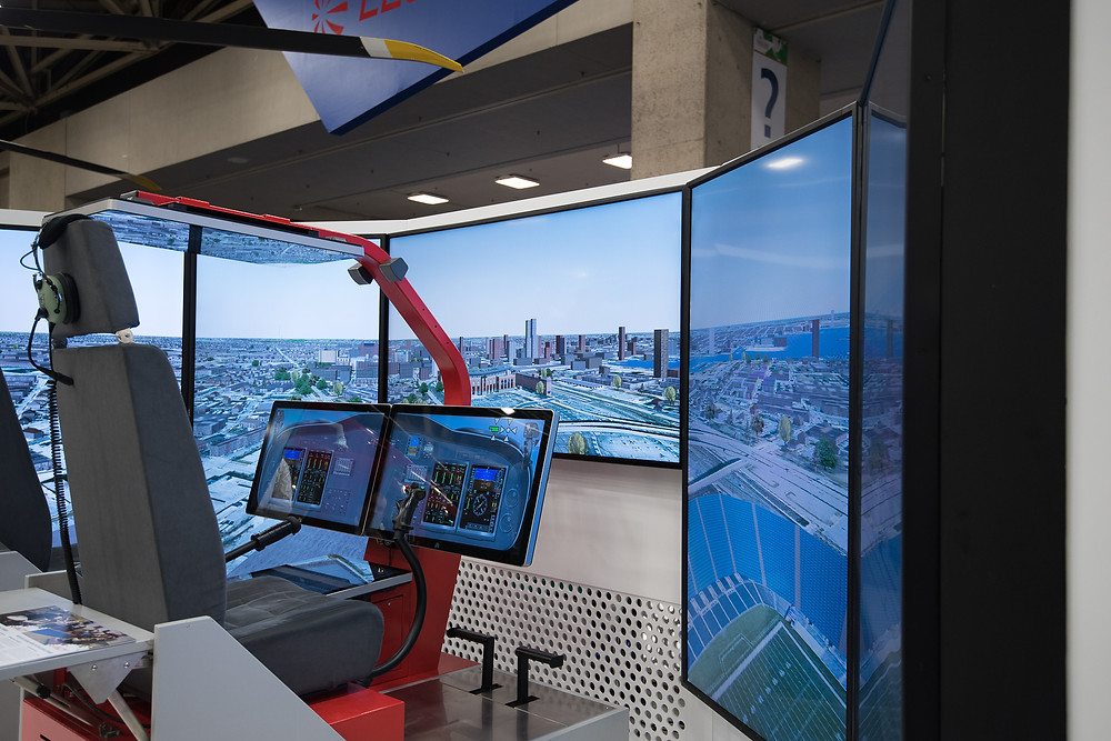 Agusta flight simulation training device