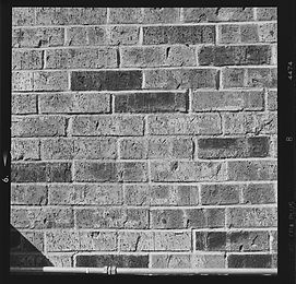brick wall sharpness test from 50mm carl zeiss lens