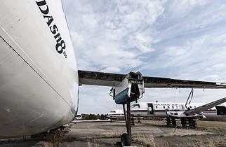 Dash8, prop plane, turbo prop boneyard