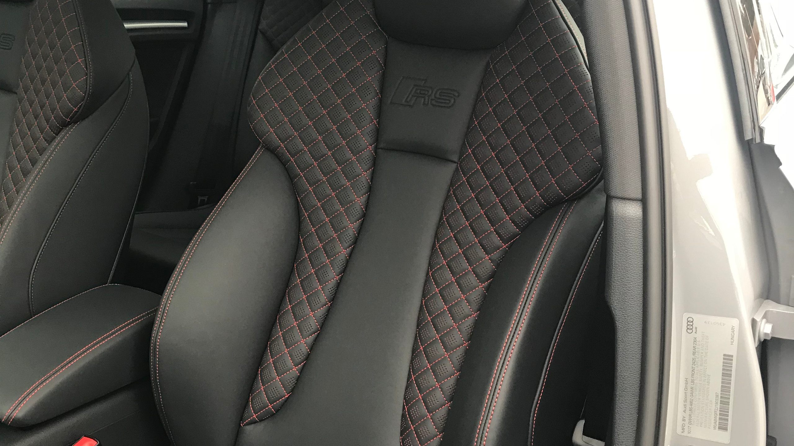 RS3 seat