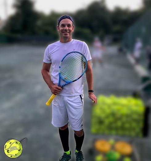 tennispickler_tennis_backoncourt.jpg