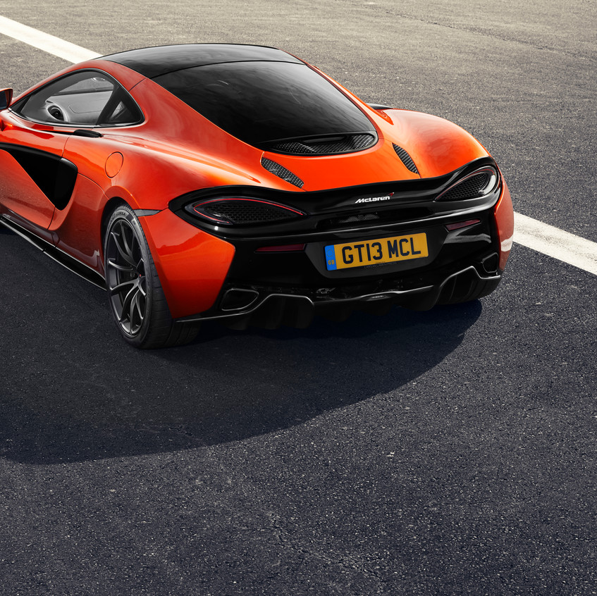 MSO Defined Black Pack 2018_McLaren 570GT_02 NEW