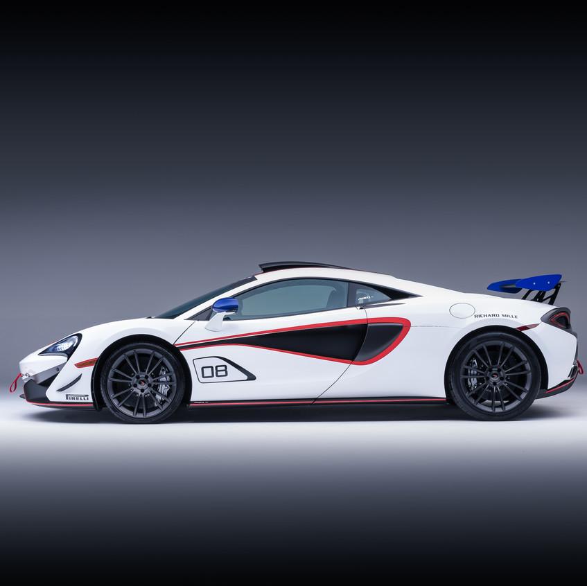 McLaren MSO X - 08 Anniversary White_Red & Blue Accents - 02