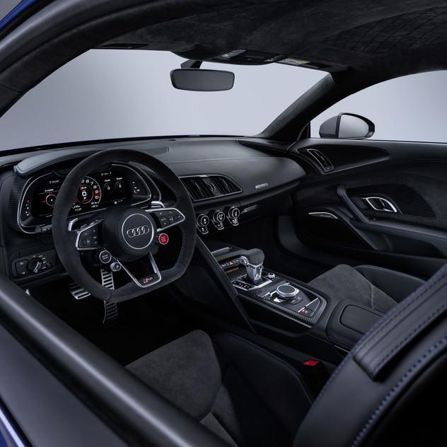 2020-Audi-R8-5675