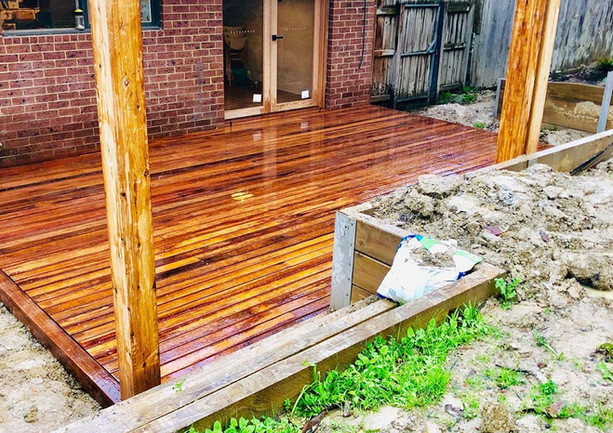 customs_carpentry_65017617_3689637337522