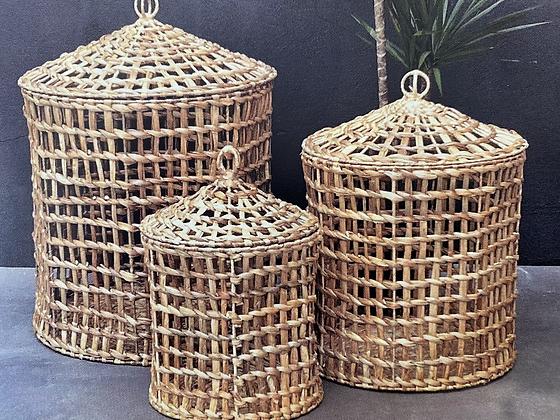 Panières en jacinthe d'eau tressée