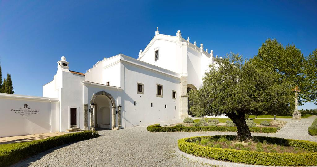 Convento do Espinheiro 01.jpg