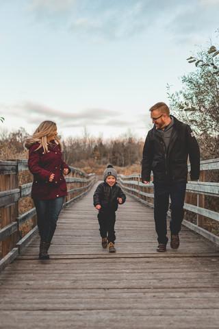 vvc-ottawa-lifestyle-family-outdoor.jpg