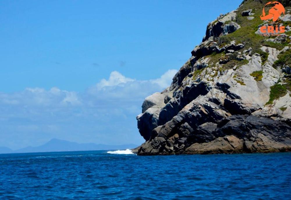 Passeio de barco em Arraial do Cabo Cris pelo Mundo Cris Stilben (5)