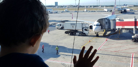 10 dicas para voar de avião com crianças