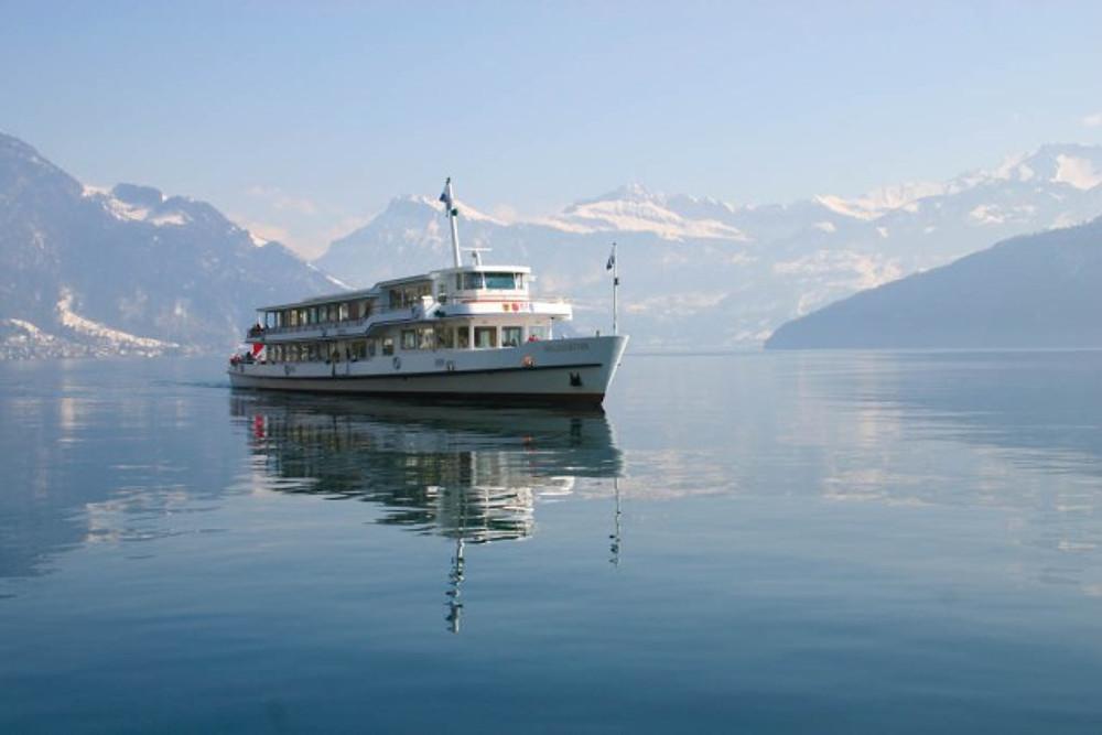 SWISS PASS Schifffahrtsgesellschaft Vierwaldstaettersee: Schifffahrt im Winter