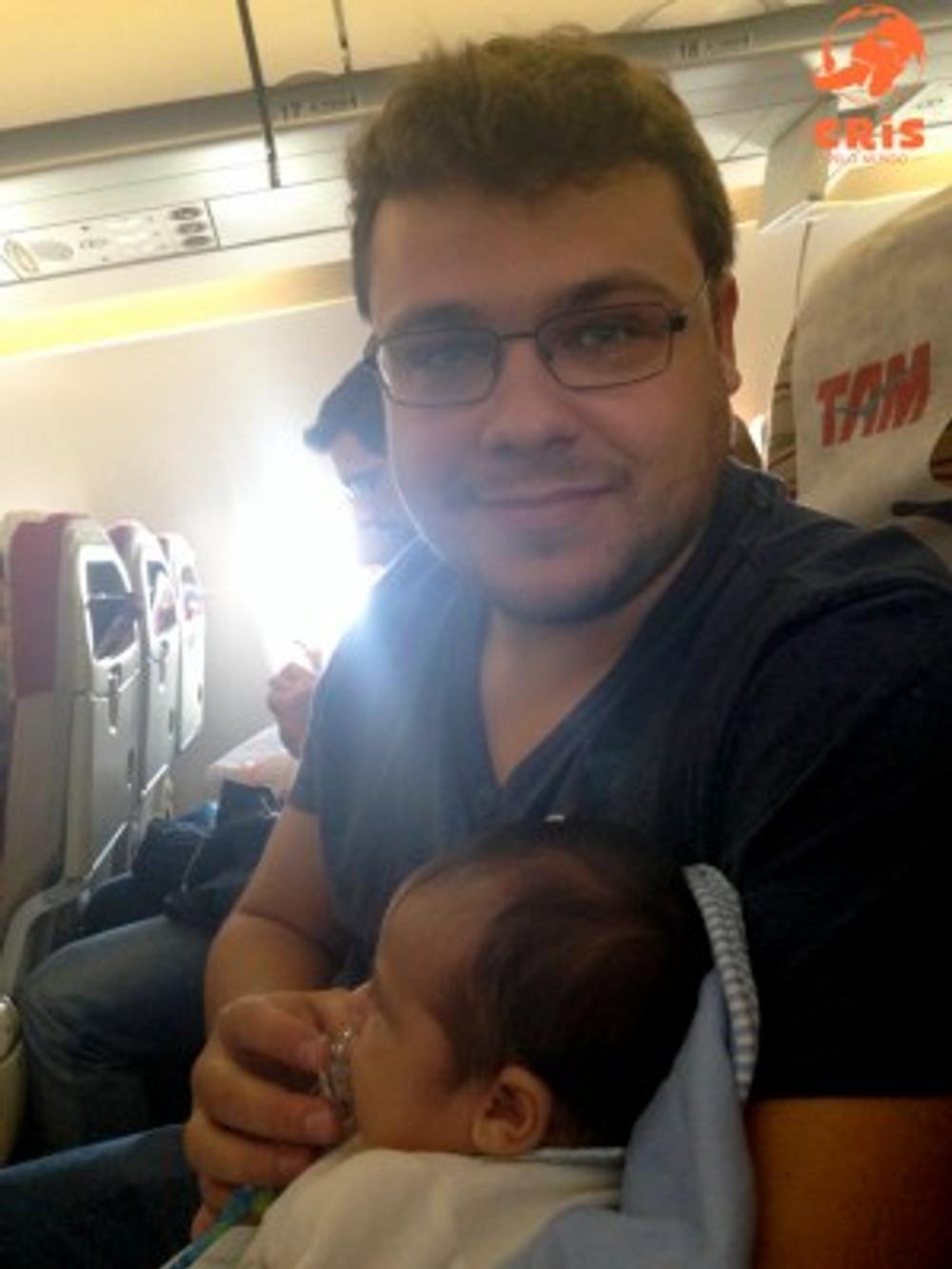 como é viajar de avião com bebê #bbpelomundo Bebê pelo Mundo Cris Stilben crisstilben Cris pelo Mundo (8)