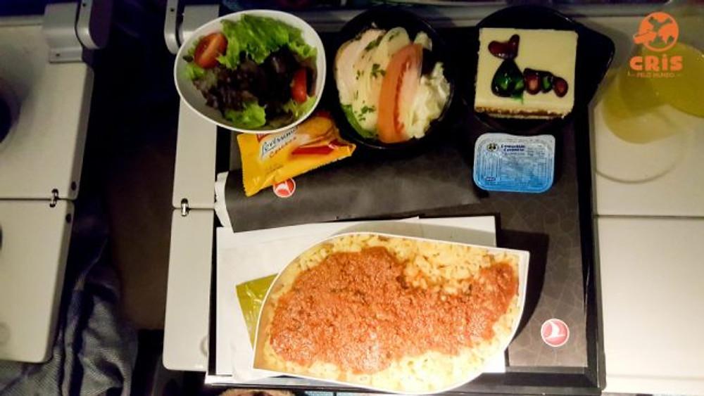 Como é voar com a Turkish Airlines - Cris Pelo Mundo voo com criança Kit infantil de voo (14)