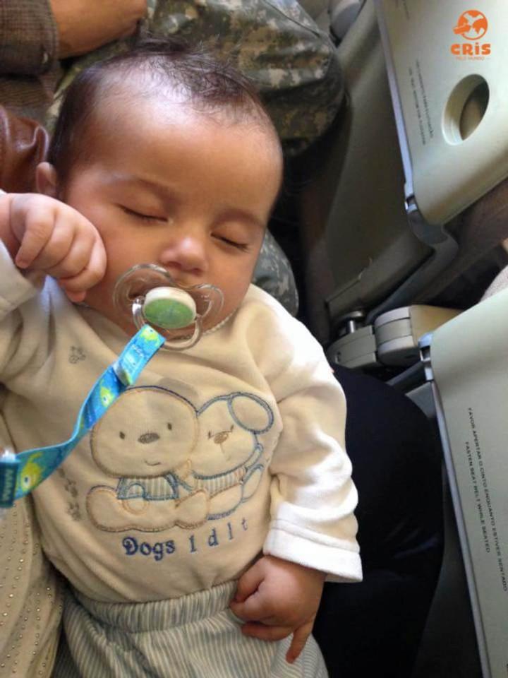 dormindo no voo 10 dicas para voar de avião com criança