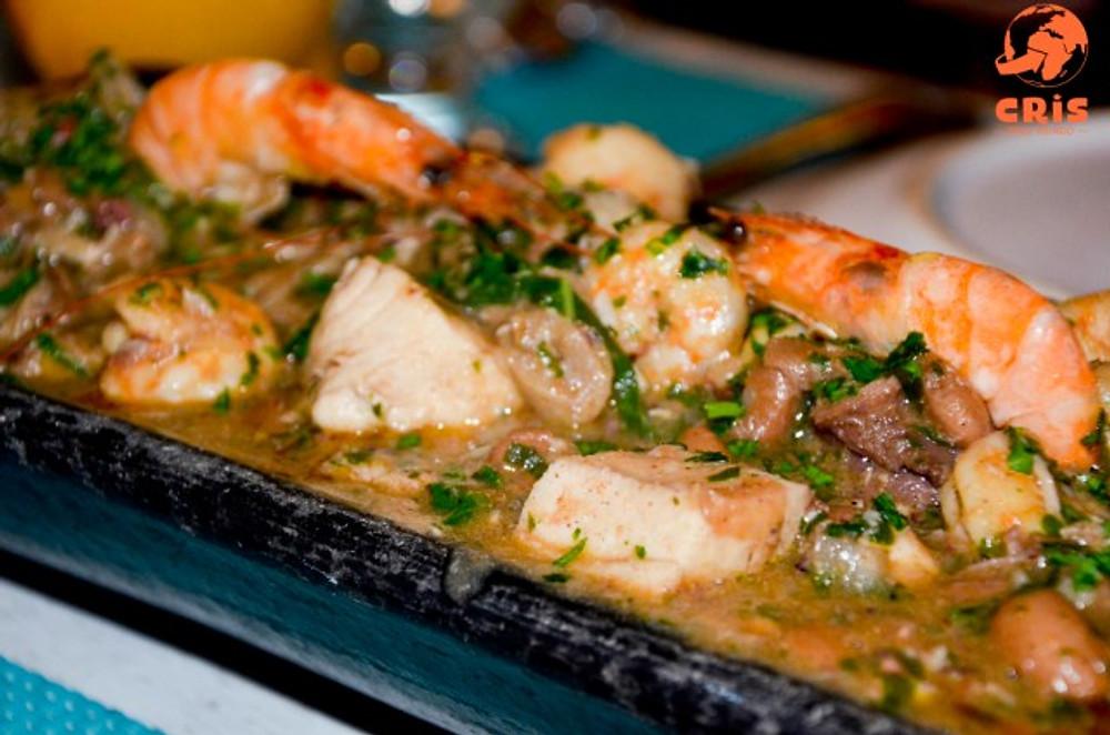 onde comer em Arraial do Cabo Bacalhau do Tuga Cris Stilben Cris pelo Mundo (1)