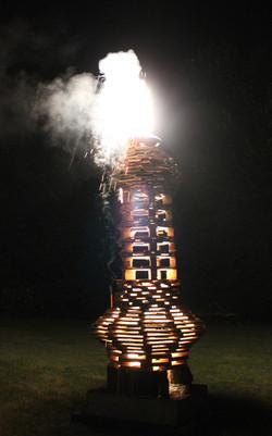 14 Torre die Pilastro brennend1