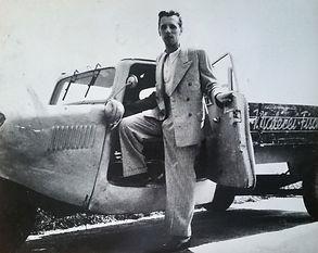 Hans Fischnaller | Firmengründung 1949 | Malerei u. Schriften Fischnaller | erstes Firmenfahrzeug TEMPO Dreirad