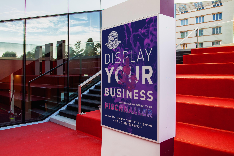 displays-schilder-banner-digitaldruck-raumteiler-bühnenbilder