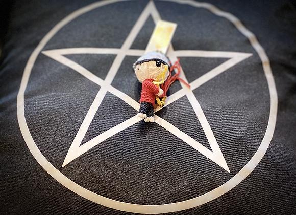 Voodoo Doll Keyring - Black/Red