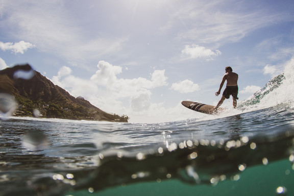 Diamond Head Surfer