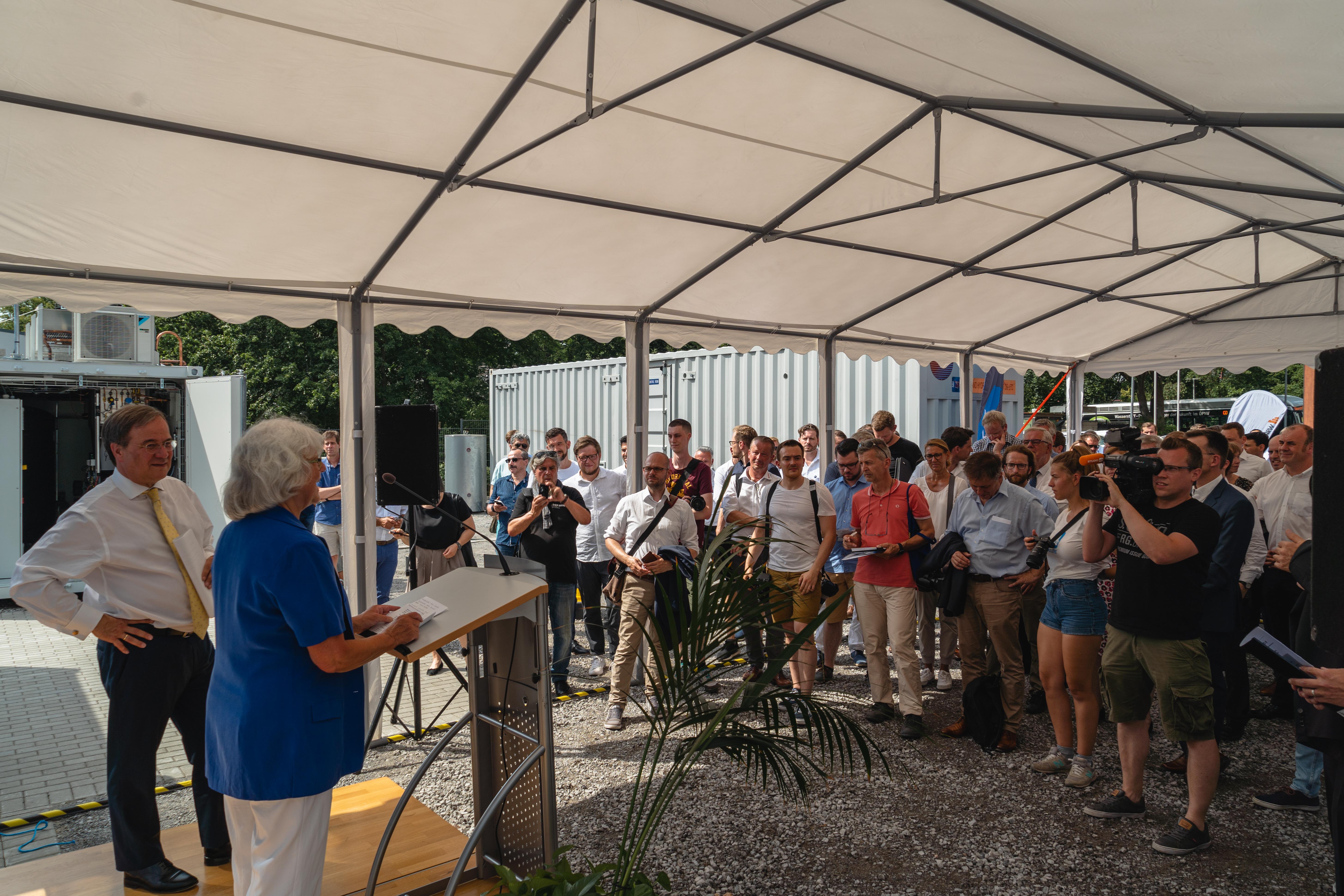 Eröffnung der Total-Wasserstoffstation Duisburg