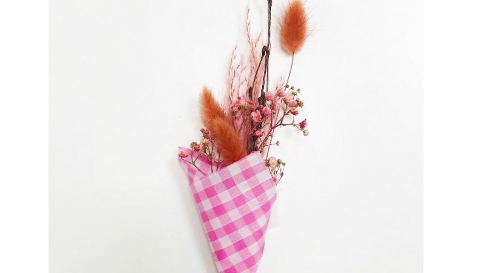 Dried Winter bouquet - mini pink