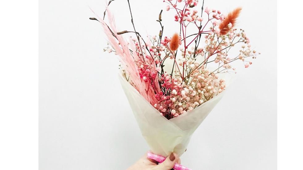 Dried Winter bouquet - medium pink