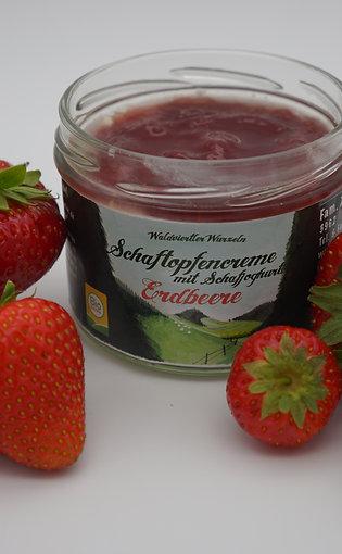 Schaftopfencreme-Erdbeere